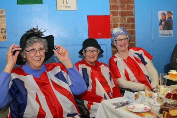 Ladies at 1940's event